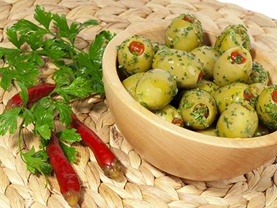 Olive verdi farcite giganti condite